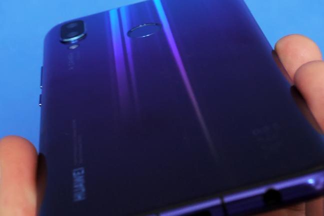 Huawei Nova 3: обзор доступного камерофона